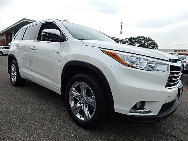 Looking to sell my Highlander 2014 White